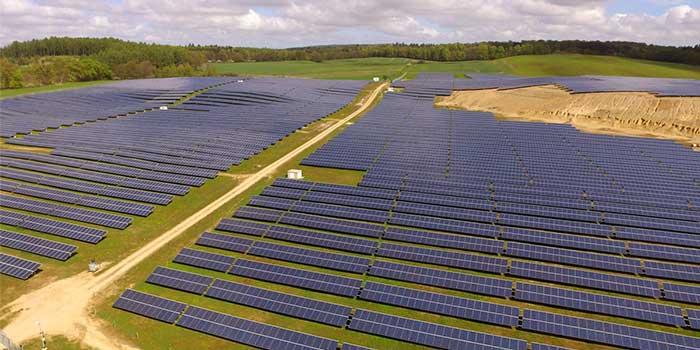 illustration: field of solar photovoltaic modules (solar panels)