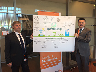 Hans Triep (left), chief procurement officer at Procurement Bank <br />Netherlands and Léon Wijnands, global head of Sustainability <br />for ING Group/Bank – both signed the Green Deal.