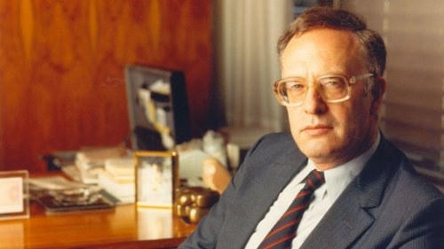 Wim Scherpenhuijsen Rom (1933-2020) <br />1976-1989 Chairman Executive Board NMB Bank <br />1989-1991 Chairman Executive Board NMB Postbank Group <br />1992 Chairman Executive Board ING Group