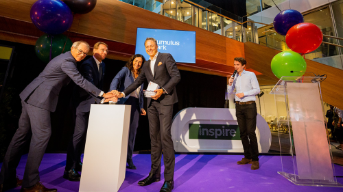 Three, two, one…: Amsterdam University of Applied Sciences rector Geleyn Meijer, ROCva chairman Edo de Jaeger, Amsterdam mayor Femke Halsema and ING CEO Ralph Hamers push the button to open Cumulus Park.